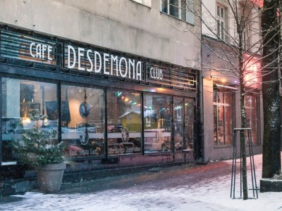 Desdemona signboard